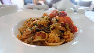 Foto 1 - Makanan di The Cafe - Hotel Mulia oleh Sharima Umaya