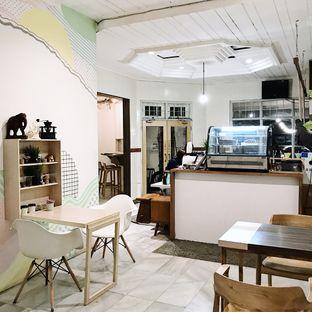 Foto 7 - Interior di Elmakko Coffee oleh Della Ayu