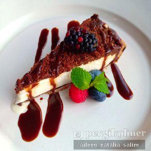 Foto 2 - Makanan di Roosevelt - Hotel Goodrich Suites oleh @NonikJajan