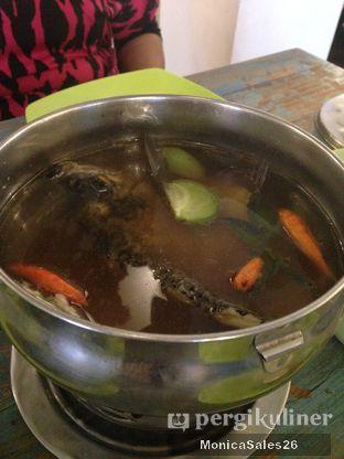 Foto 10 - Makanan(sop ikan gurame) di Radja Gurame oleh Monica Sales