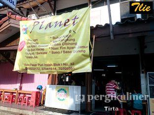 Foto 2 - Eksterior(Outlet) di Bakmi Karet Planet oleh Tirta Lie