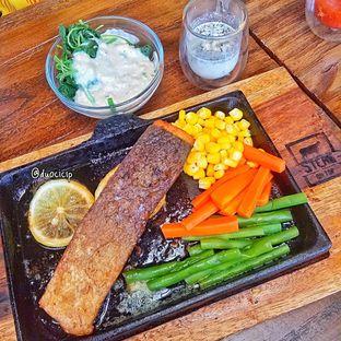 Foto review Steak On Top oleh duocicip  2