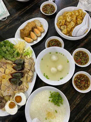Foto 2 - Makanan di Bubur Ayam Mangga Besar 1 oleh Duolaparr