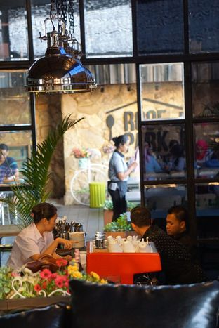 Foto 11 - Interior di ROOFPARK Cafe & Restaurant oleh yudistira ishak abrar