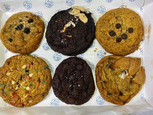 Foto 1 - Makanan di Doux Cookies oleh feedthecat