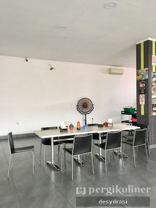 Foto 2 - Interior di Batagor & Siomay Kingsley oleh Desy Mustika
