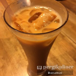 Foto 3 - Makanan(Thai Iced Tea) di Raffel's oleh Darsehsri Handayani