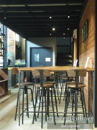Foto 5 - Interior di Lumiere Bistro & Art Gallery oleh Jihan Rahayu Putri