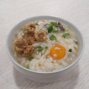 Foto 1 - Makanan di Bubur Singkawang Akhun oleh Naomi Suryabudhi