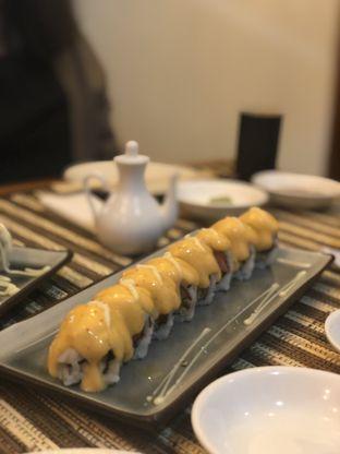 Foto 3 - Makanan(Chezy Sushi Roll) di Baiza Sushi oleh YSfoodspottings