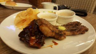 Foto 2 - Makanan(Steak+Ribs Combo) di Cut 'N Grill oleh Budi Lee