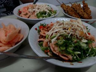Foto 2 - Makanan di Bubur Ayam Melati Mas oleh Gladys Prawira