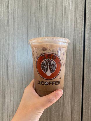 Foto 3 - Makanan di J.CO Donuts & Coffee oleh Duolaparr