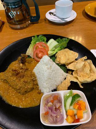 Foto 1 - Makanan(grilled balinese spice chicken) di Bellamie Boulangerie oleh Yovan Rivanzah