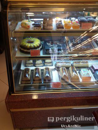 Foto 6 - Makanan di Holland Bakery oleh UrsAndNic