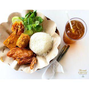 Foto review Ayam Penyet Surabaya & Mie Jogja Pak Karso oleh Christine Lie #FoodCraverID 2