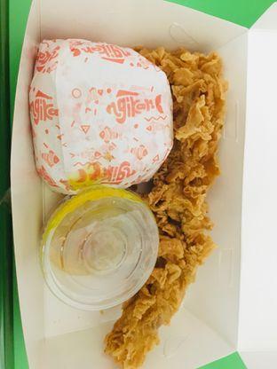 Foto - Makanan(Paket Ngikan Saus Acar Kuning) di Ngikan oleh Alfi Noor Yuniar Djahidi