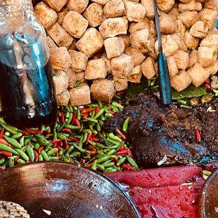 Foto 2 - Makanan di Tahu Gejrot Bang Jack oleh deasy foodie