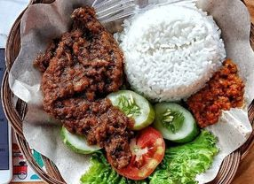 5 Olahan Ayam Khas Sulawesi Selatan yang Cocok Disantap dengan Nasi