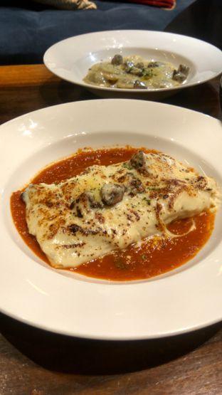 Foto 11 - Makanan(Cannelloni (IDR 110k) ) di Six Ounces Coffee oleh Renodaneswara @caesarinodswr