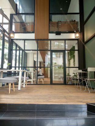 Foto 8 - Interior di Emji Coffee Bar & Space oleh Ika Nurhayati