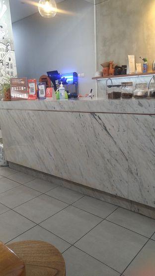 Foto 6 - Interior di Pivot Coffee oleh Kuliner Keliling