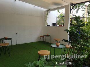 Foto 9 - Interior di Kinari Coffee Shop oleh UrsAndNic