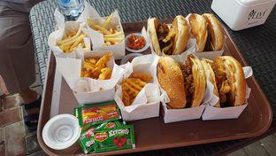 Foto 1 - Makanan(Paket Burger) di K-BUN Korean Bun oleh Jovanus Irwan
