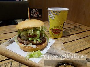 Foto 5 - Makanan di FATBURGER oleh Ladyonaf @placetogoandeat
