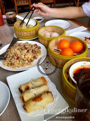 Foto - Makanan(Lumpia Sayur) di Imperial Kitchen & Dimsum oleh Monique @mooniquelie @foodinsnap