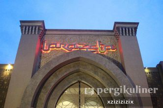 Foto Eksterior di Larazeta Restaurant & Gallery