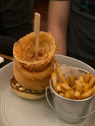 Foto 4 - Makanan(Benedict Burger) di Benedict oleh Maria Marcella