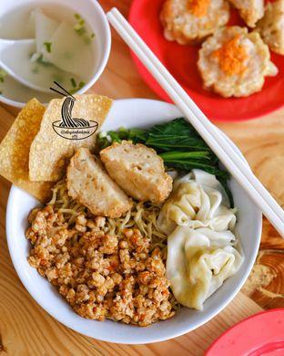Foto 2 - Makanan di Mie Rica Gading oleh om doyanjajan