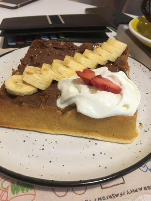 Foto 22 - Makanan di BROWNFOX Waffle & Coffee oleh Prido ZH
