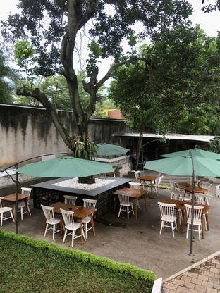 Foto 8 - Interior di de'CLAN Resto & Cafe oleh Prido ZH