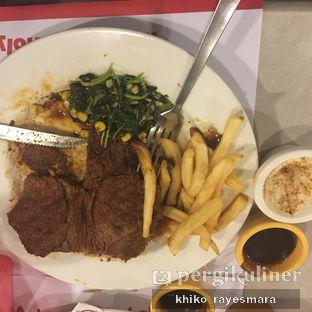 Foto 1 - Makanan di Holycow! STEAKHOUSE by Chef Afit oleh Khiko Rayesmara