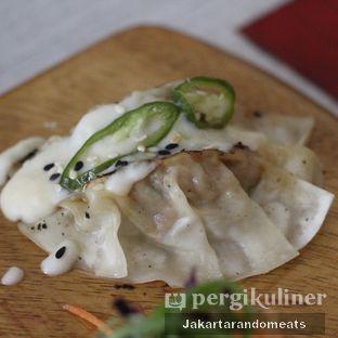 Foto 9 - Makanan di Gyoza Bar oleh Jakartarandomeats