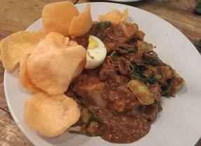 7 Makanan Legendaris Jakarta yang Tetap Eksis Hingga Sekarang
