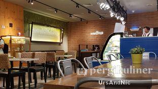 Foto 4 - Interior di Caffe Bene oleh UrsAndNic