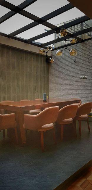 Foto 2 - Interior di Papa & Mama Bistro and Coffee oleh Kami  Suka Makan