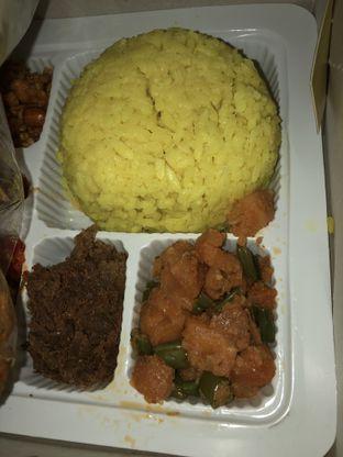 Foto 2 - Makanan di Nasi Kuning Cakalang Oma oleh Mitha Komala