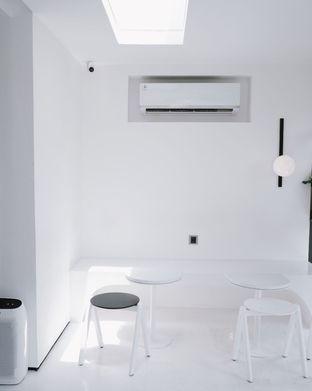 Foto 11 - Interior di After Friday Coffee oleh Della Ayu