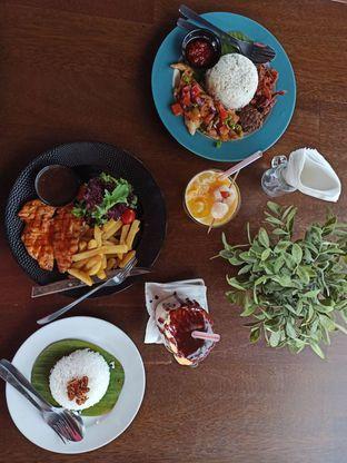 Foto 1 - Makanan di Royale Bakery Cafe oleh Junior