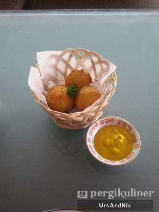 Foto 7 - Makanan(cheese bitterballen) di Soeryo Cafe & Steak oleh UrsAndNic
