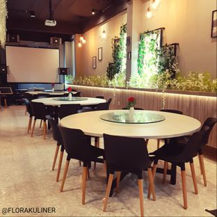 Foto 10 - Interior di Bun King Resto & Coffee oleh @FLORAKULINER