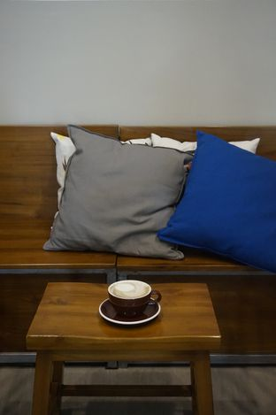 Foto 1 - Interior di Kapyc Coffee & Roastery oleh yudistira ishak abrar