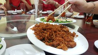 Foto 14 - Makanan(Ayam Goreng Kering Saus Udang) di Gunung Mas oleh Naomi Suryabudhi