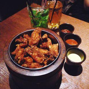 Foto 4 - Makanan(Grandpa Chicken Wings) di Holywings oleh Wisnu Narendratama