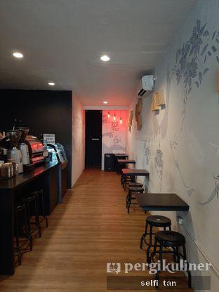 Foto 4 - Interior di Dandia Coffee oleh Selfi Tan