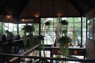 Foto 9 - Interior di Finch Coffee & Kitchen oleh Prido ZH